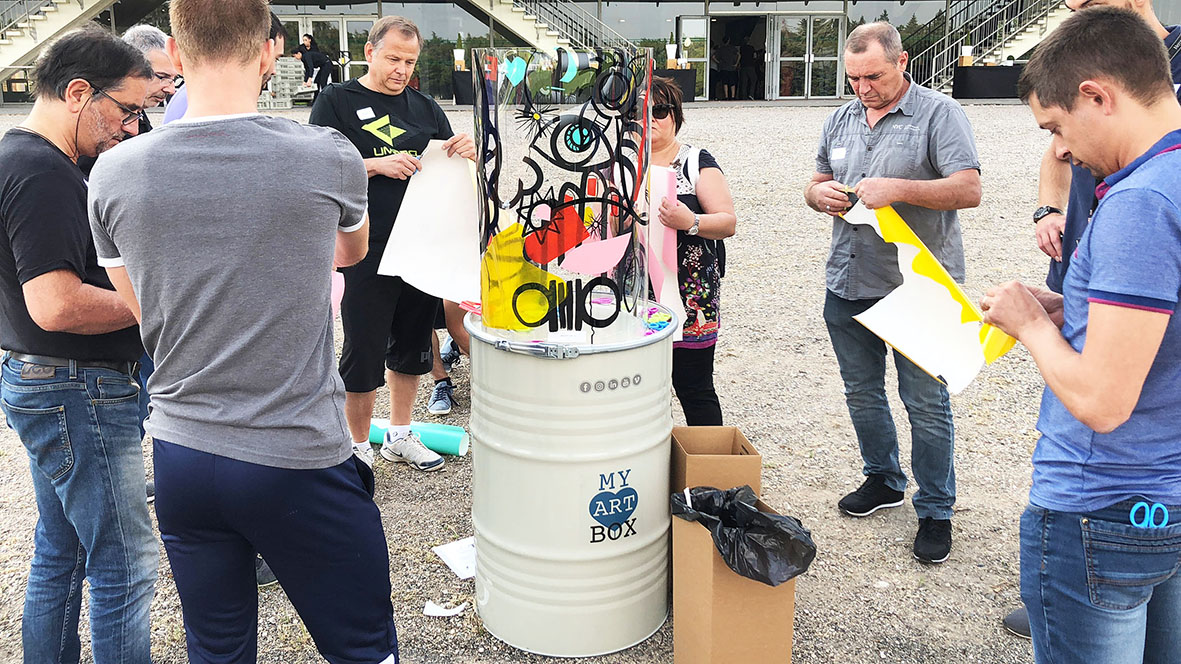 Team building street art lyon